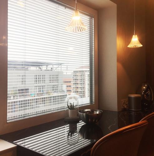 Rooftop Confluence : 6 Cuisine fenêtre