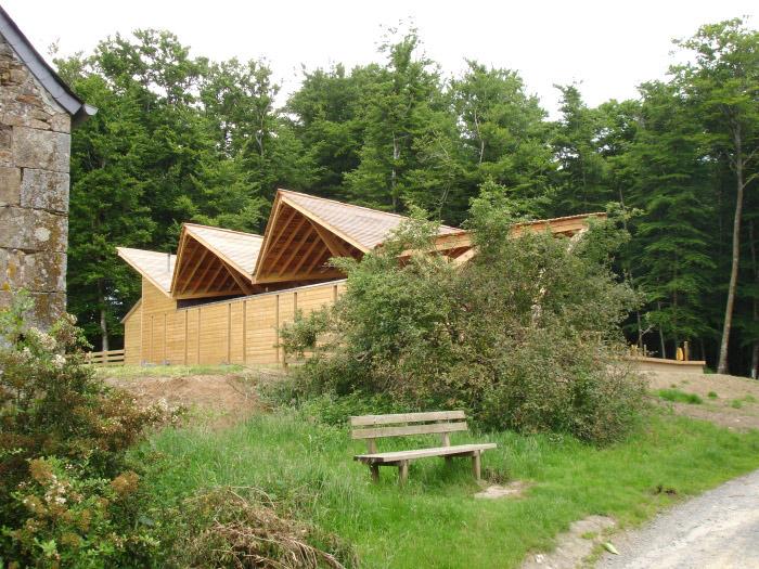 Préau en forêt de Villecartier (35) : ONF_4 juin 2008 065