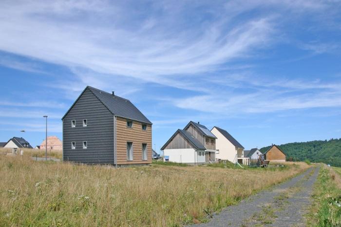 'La petite maison dans la prairie' , un refuge en montagne. : Vue Sud ouest