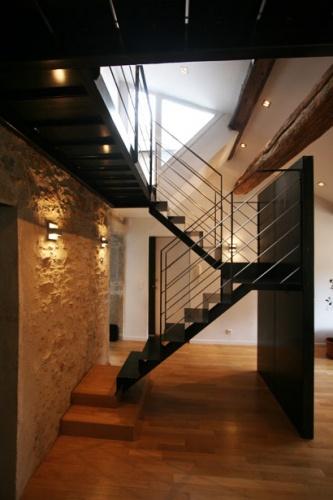 Rénovation d'un appartement en duplex avec terrasse de toit : galerie-appartement-16-terrasse-pierre-acier-4