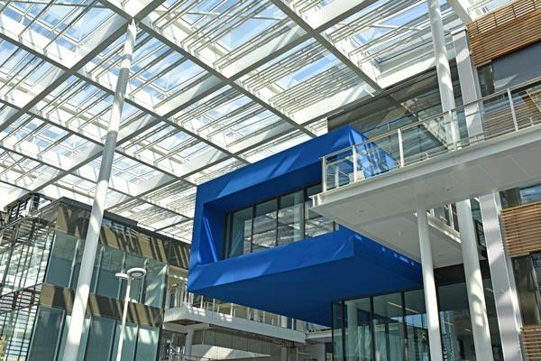 Centre de recherches, bureaux, salles de conférences, restaurant d'entreprise : urbalad-1